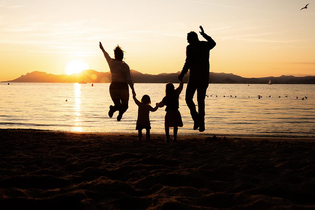 photo famille contre jour