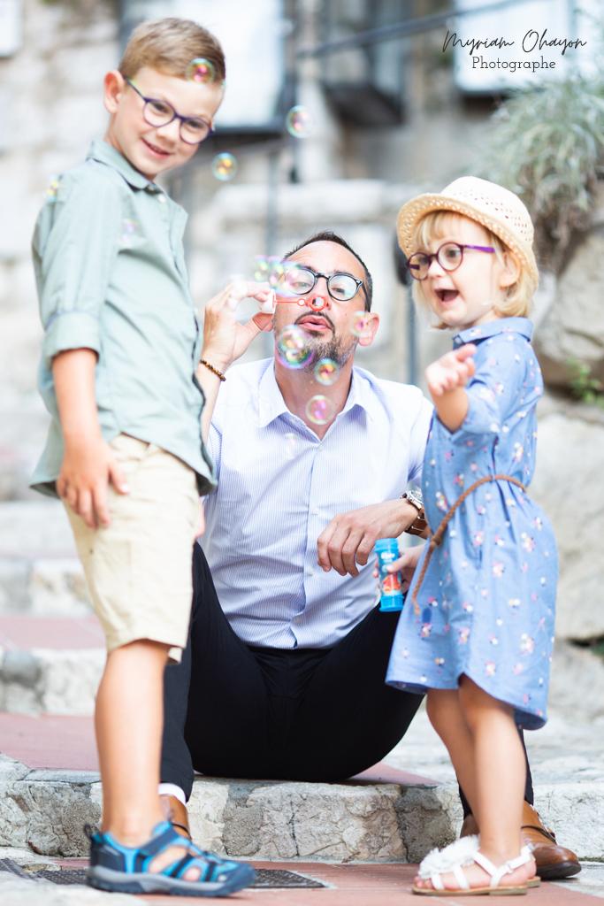 Séance photo en famille à Eze .