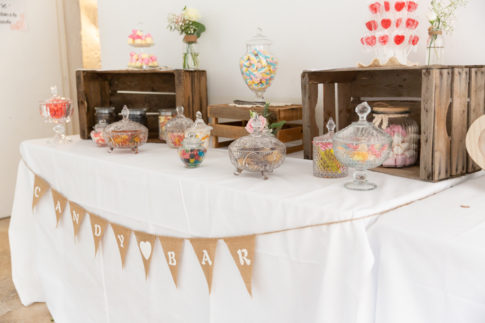 Un mariage entre Nice et le Castellet : Table Candy Bar pour un mariage au Domaine du Castellet