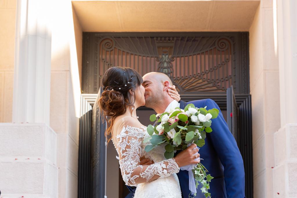 Un mariage entre Nice et le Castellet : sortie de mairie lors d'un mariage à Nice