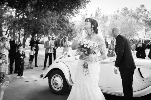 Un mariage entre Nice et le Castellet : Arrivée des mariés pour leur mariage au Domaine du Castellet