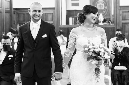 deux mariés lors de leur cérémonie de mariage à Nice. Photo prise par Myriam Ohayon Photographe
